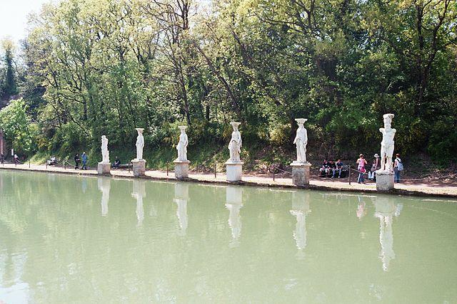 出典:ウィキメディア・コモンズ (Wikimedia Commons):Villa hadriana canopus